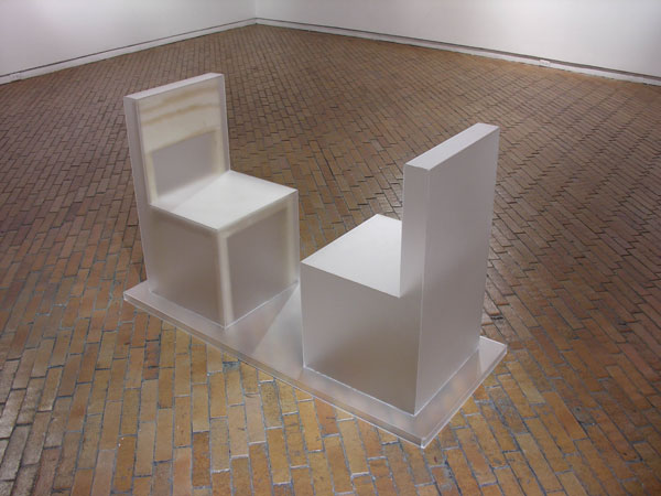 Ausencia II - Plexiglas, madera  90 x 134 x 47 cm - 2009
