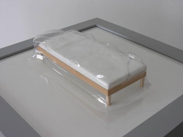 Matrioshka II - Lecho I (Transparente)  Termoformado, madera  38 x 38 x 13.9 cm - 2009