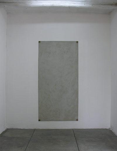 Lecho de muerte - Mortero de cemento,patas de cama  7 x 181 x 15.3 cm - 2008