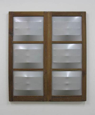 Díptico (Pectus) - Marcos de ventana, lienzo, esmalte, rejas de hierro  116.6 x 100.6 x 5 cm - 2008