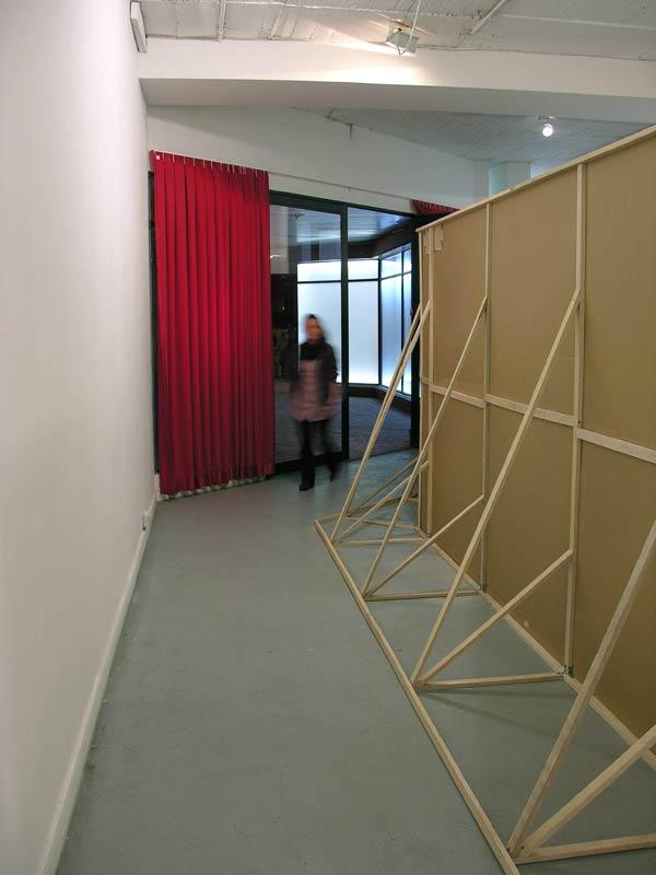 Como les guste  - Madera, cartón, tela  3.52 x 9.3 x 9.6 m - 2010