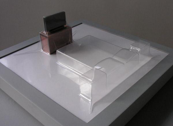 Matrioshka VI - Tele visión (Transparente)  Termoformado, madera  46 x 46 x 18.2 cm - 2012