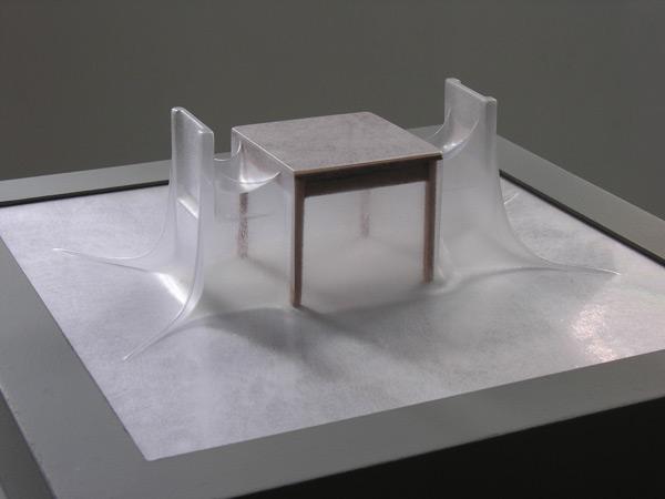 Matrioshka IV - Diálogo (Transparente)  Termoformado, madera  38 x 38 x 15.3 cm - 2012