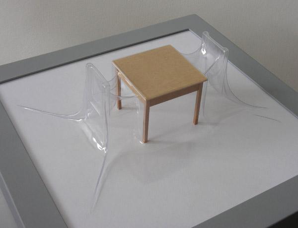 Matrioshka IV - Diálogo (Transparente)  Termoformado, madera  38 x 38 x 15.3 cm  2012
