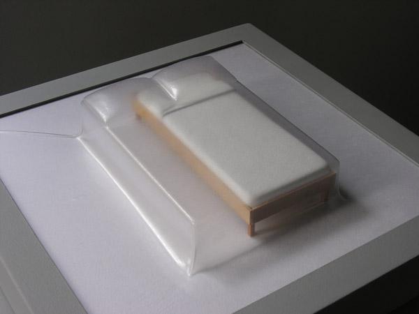 Matrioshka V - Single (Opaca)  Termoformado, madera  38 x 38 x 11.9 cm - 2012